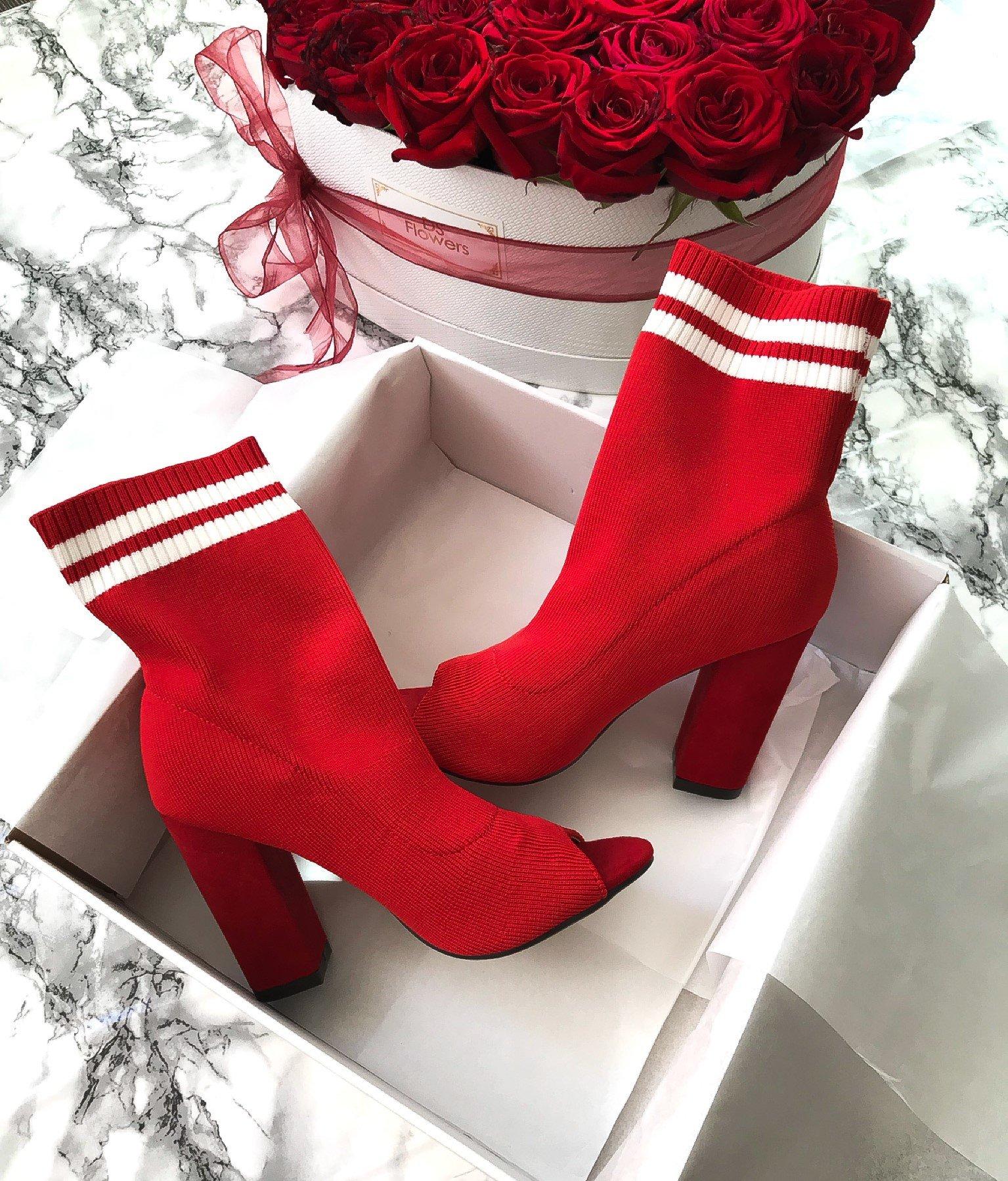 червени боти без пръсти ARIANA